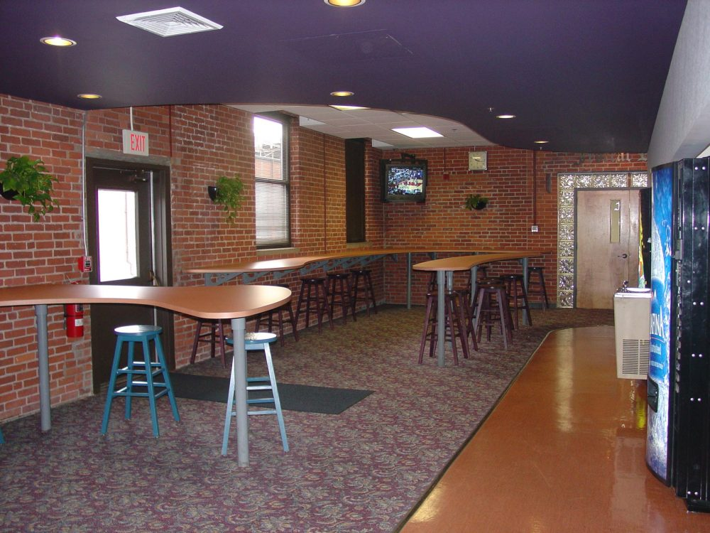 Indoor-dining